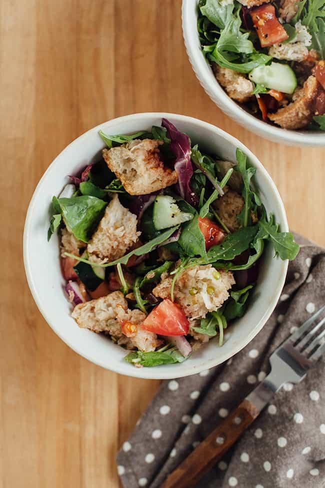 Panzanella salad - Hello Veggie