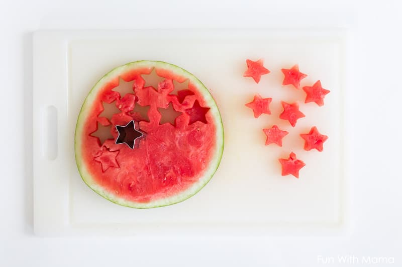 Cut Fruit in Shapes from Fun With Mama - 15 Cute and Clever DIY Lunch Box Tricks