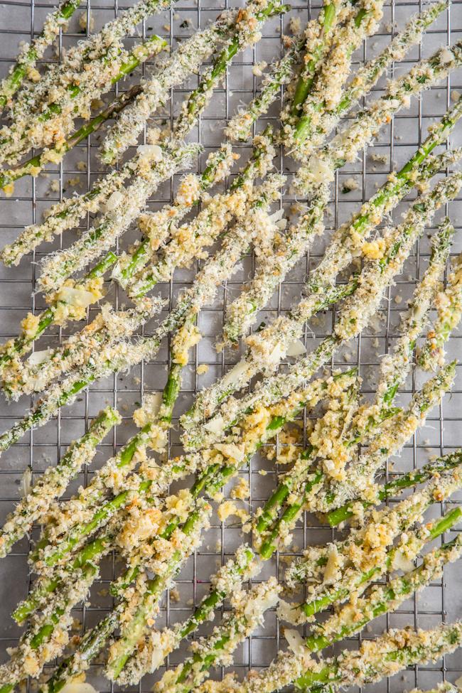 Crispy Asparagus Fries with Lemon-Dill Dipping Sauce
