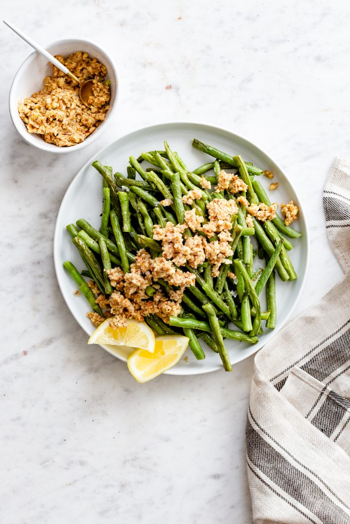 A 5-Ingredient Side Dish Made for Weeknights: Lemon Almond Green Beans