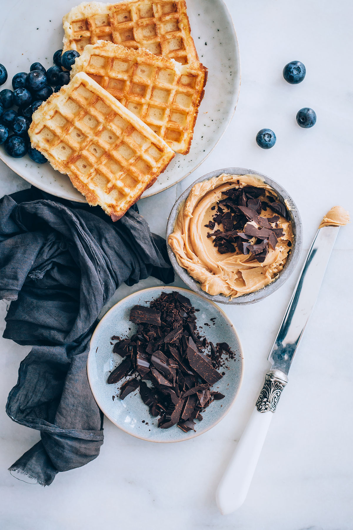 Vegan Chocolate Chip Cheesecake Dip