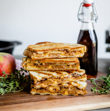 Maple Apple, Caramelized Onion & Tempeh Bacon Panini | HelloVeggie.co