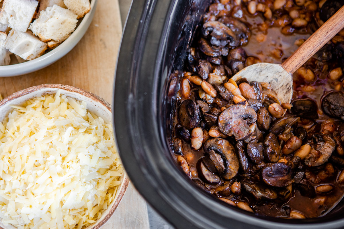 Slow Cooker Panade with Mushrooms and White Beans