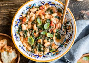Slow Cooker Tuscan Bean Soup   HelloVeggie.co