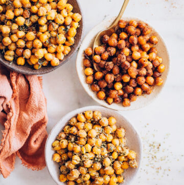 Cinnamon Sugar Roasted Chickpeas - HelloVeggie.co