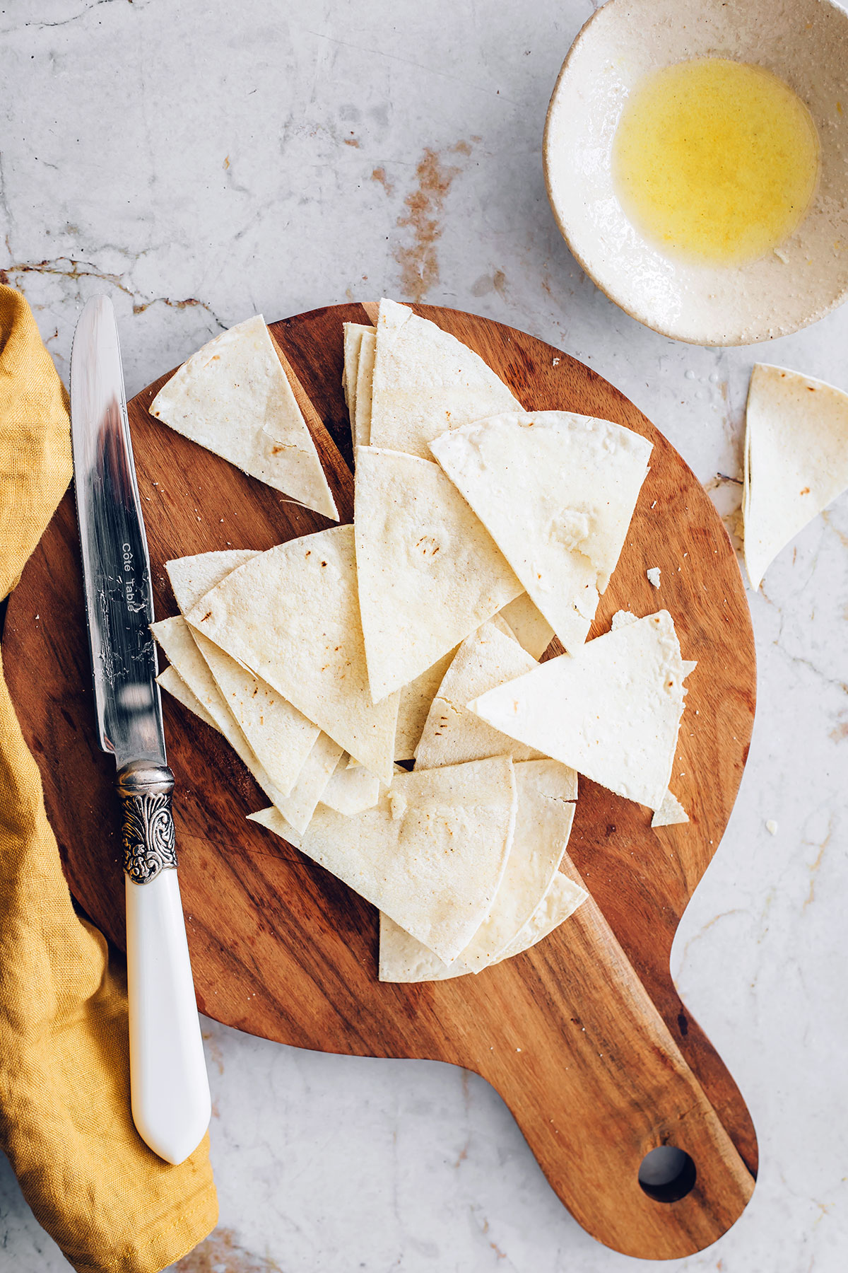 How to make your own tortilla chips - HelloVeggie.co