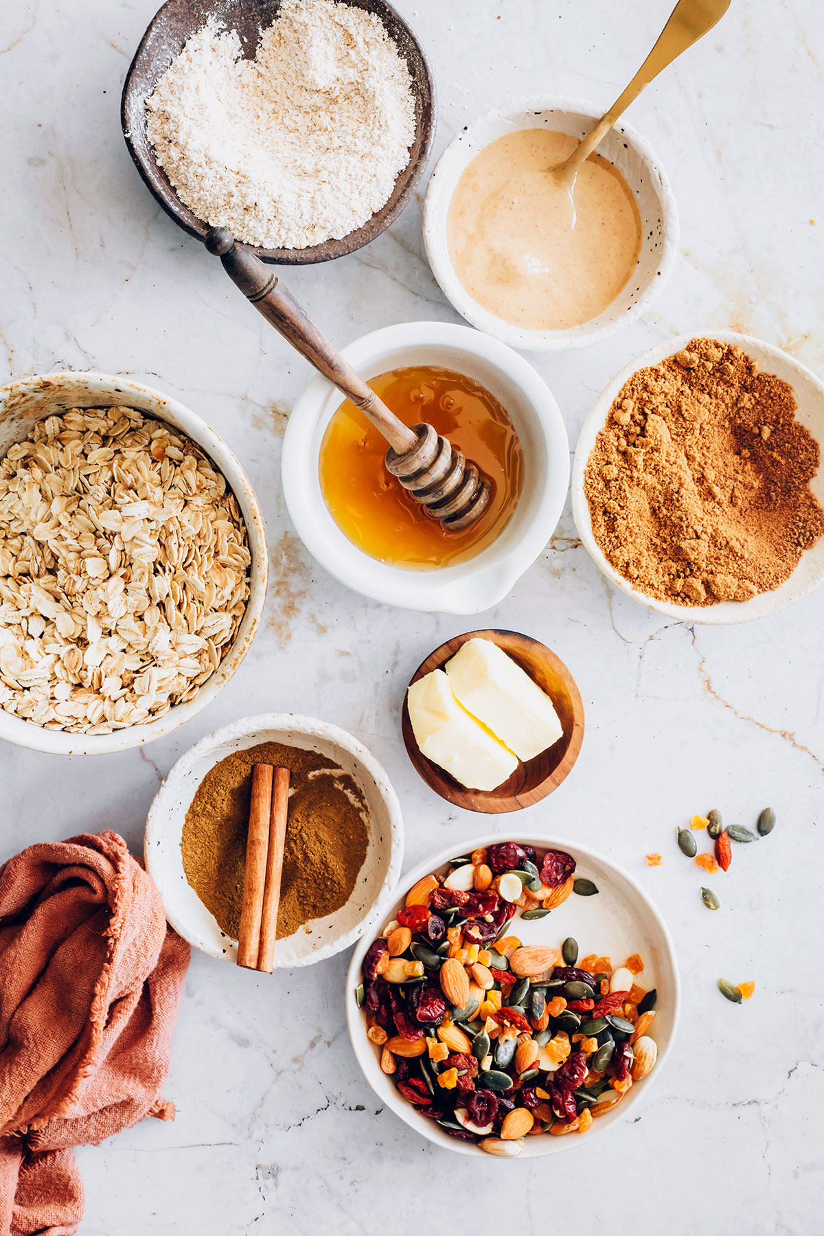 Peanut Butter Honey Granola Bars - Hello Veggie