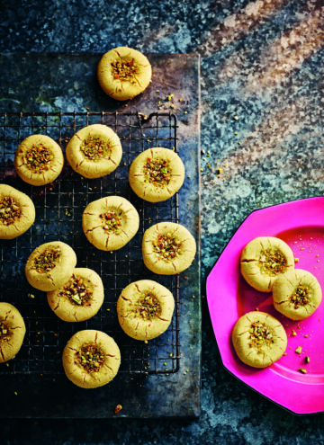 Indian Butter Cookies - HelloVeggie.co
