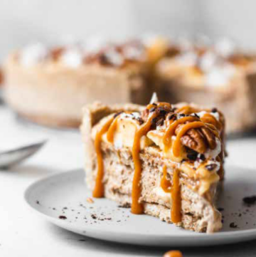 No Bake Vegan Banoffee Pie - HelloVeggie.co